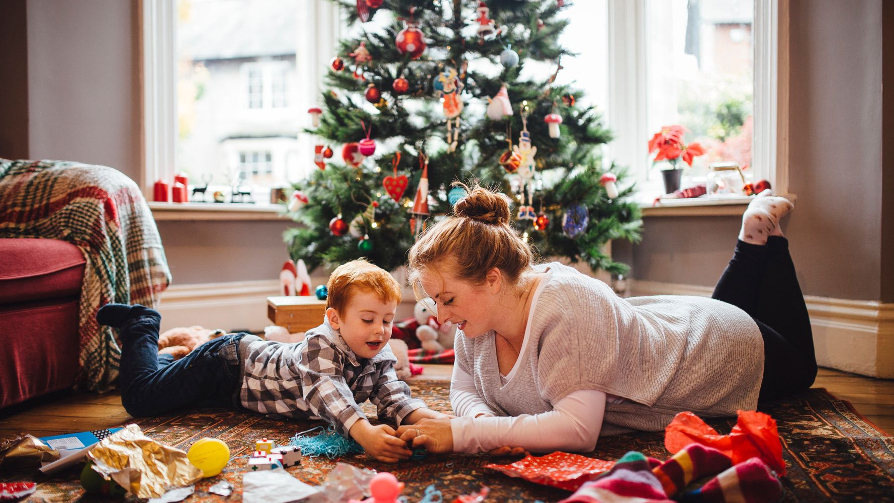 Things To Do On Christmas Eve.10 Things You Can Do With Your Kids On Christmas Eve
