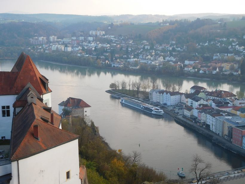 <strong>Danube on left, Inn on right (Ilz behind castle hill)</strong>
