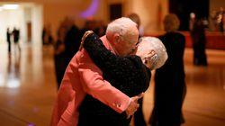 Σε μια παμπ της Σκωτίας διοργανώνονται βραδιές disco για ηλικιωμένους με
