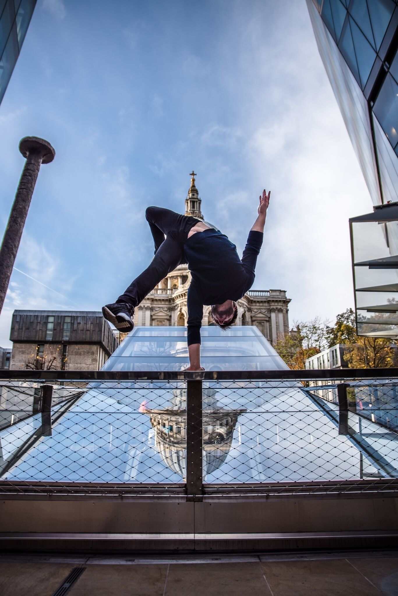 Hand Balancer Sammy Dinneen Spends 2 Hours A Day Upside Down (And He Recommends You Try