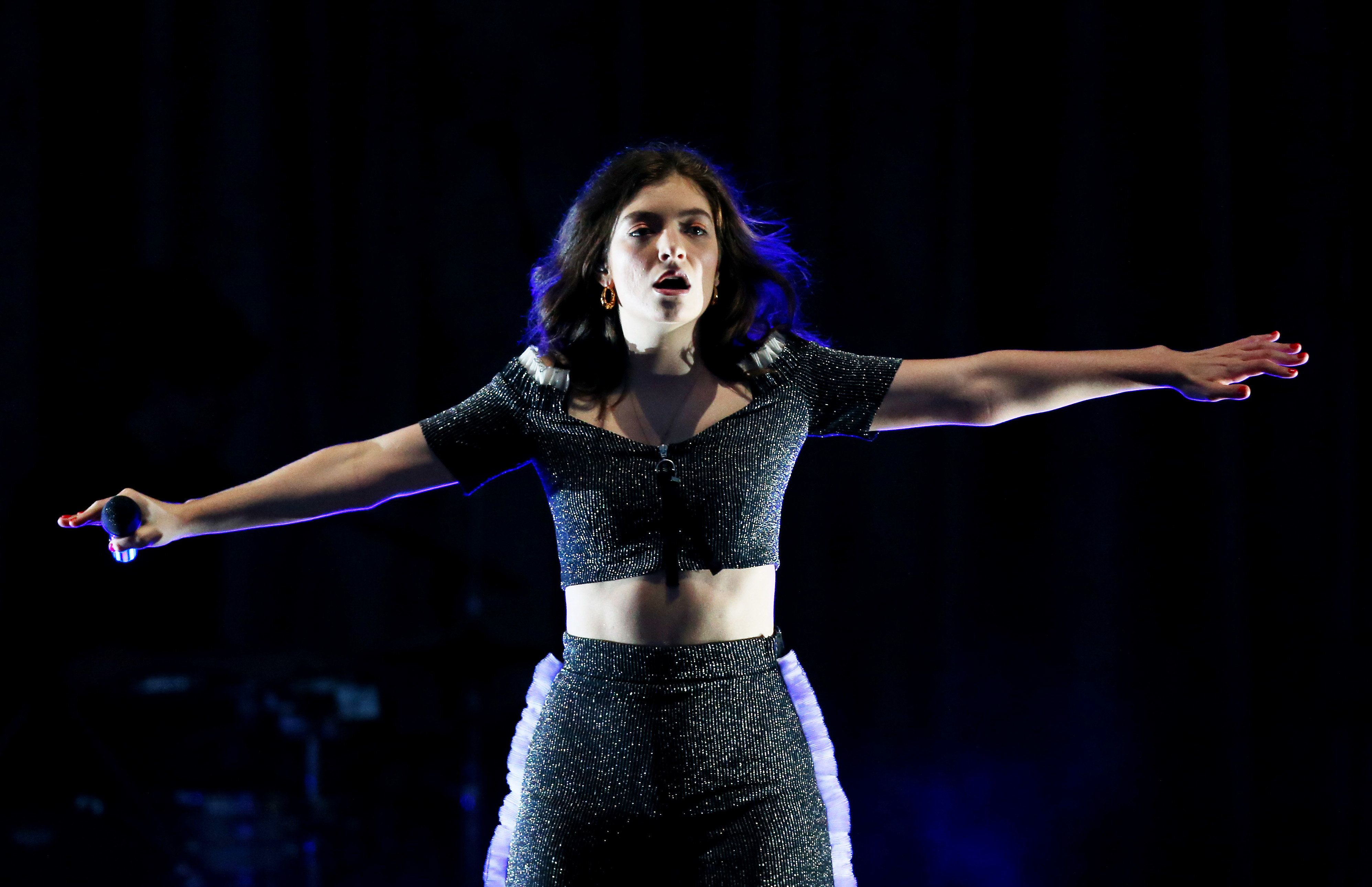 SYDNEY, AUSTRALIA - NOVEMBER 21:  Lorde performs at Sydney Opera House on November 21, 2017 in Sydney, Australia.  (Photo by Don Arnold/WireImage)
