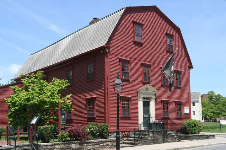 <p>The White Horse Tavern dates back to 1652. </p>
