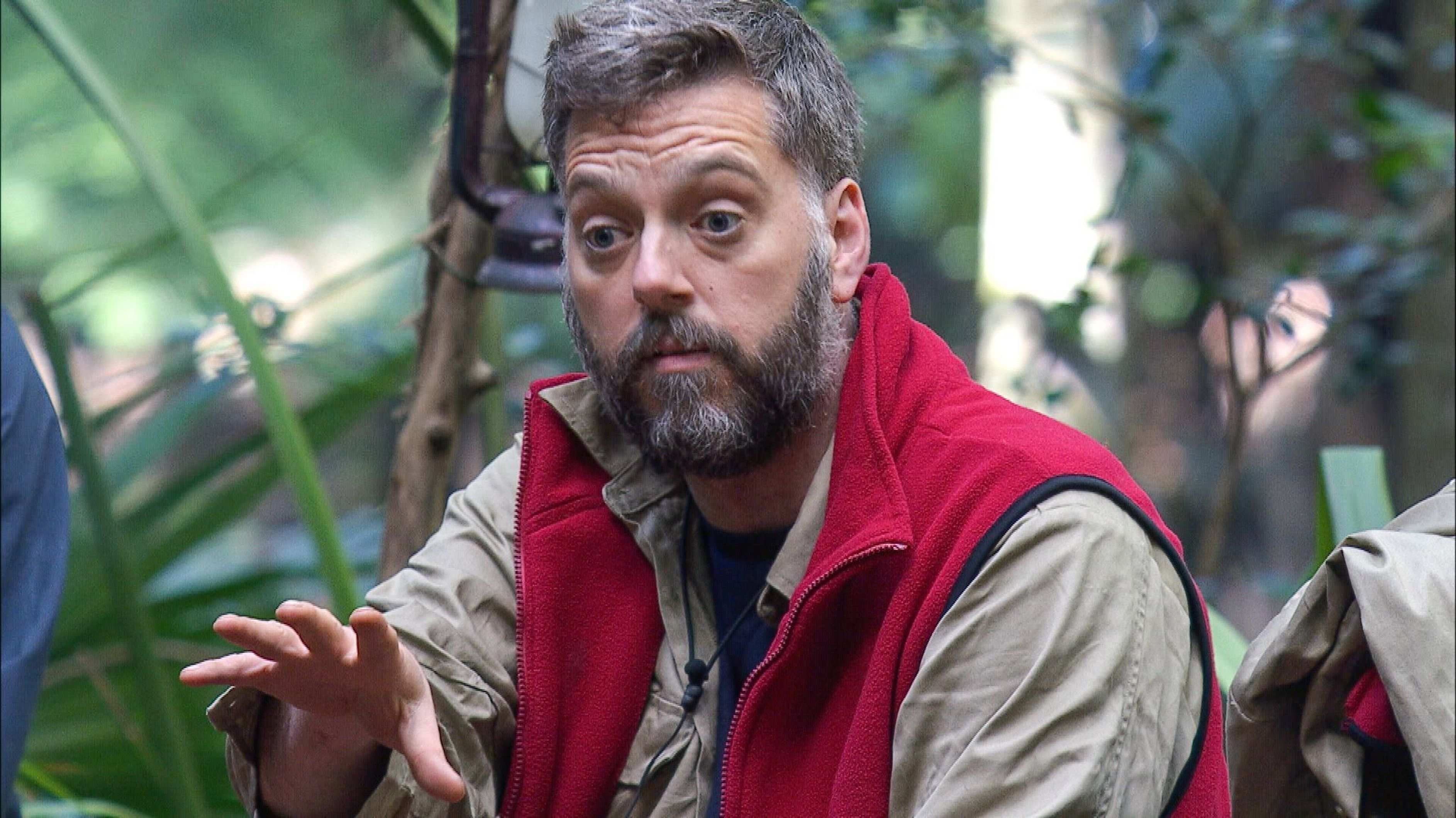 <strong>Iain Lee</strong>