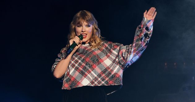 Taylor Swift performs during the 99.7 NOW! POPTOPIA in San Jose, California, onDec.
