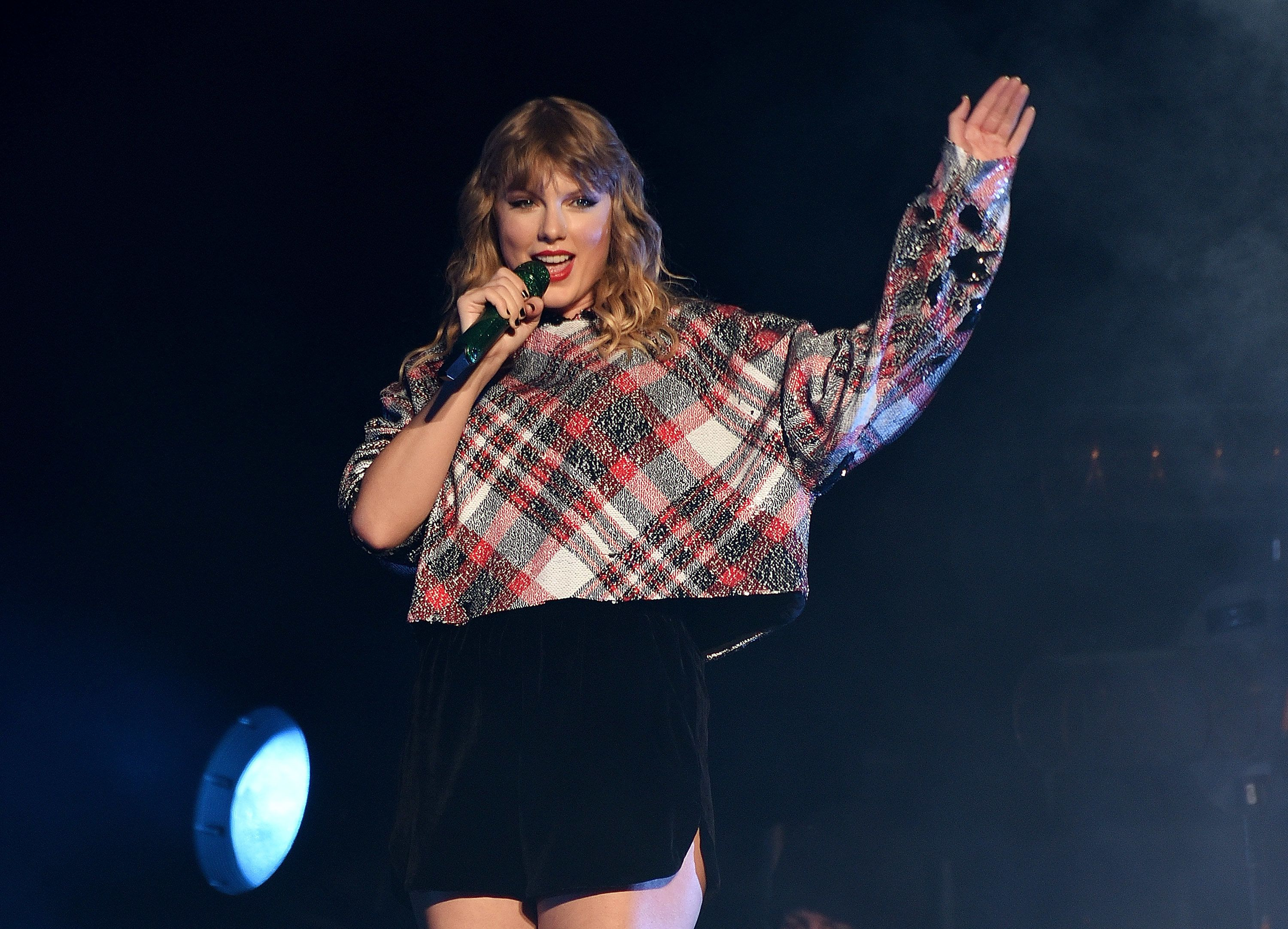 Taylor Swift performs during the 99.7 NOW! POPTOPIA in San Jose, California, onDec. 2.