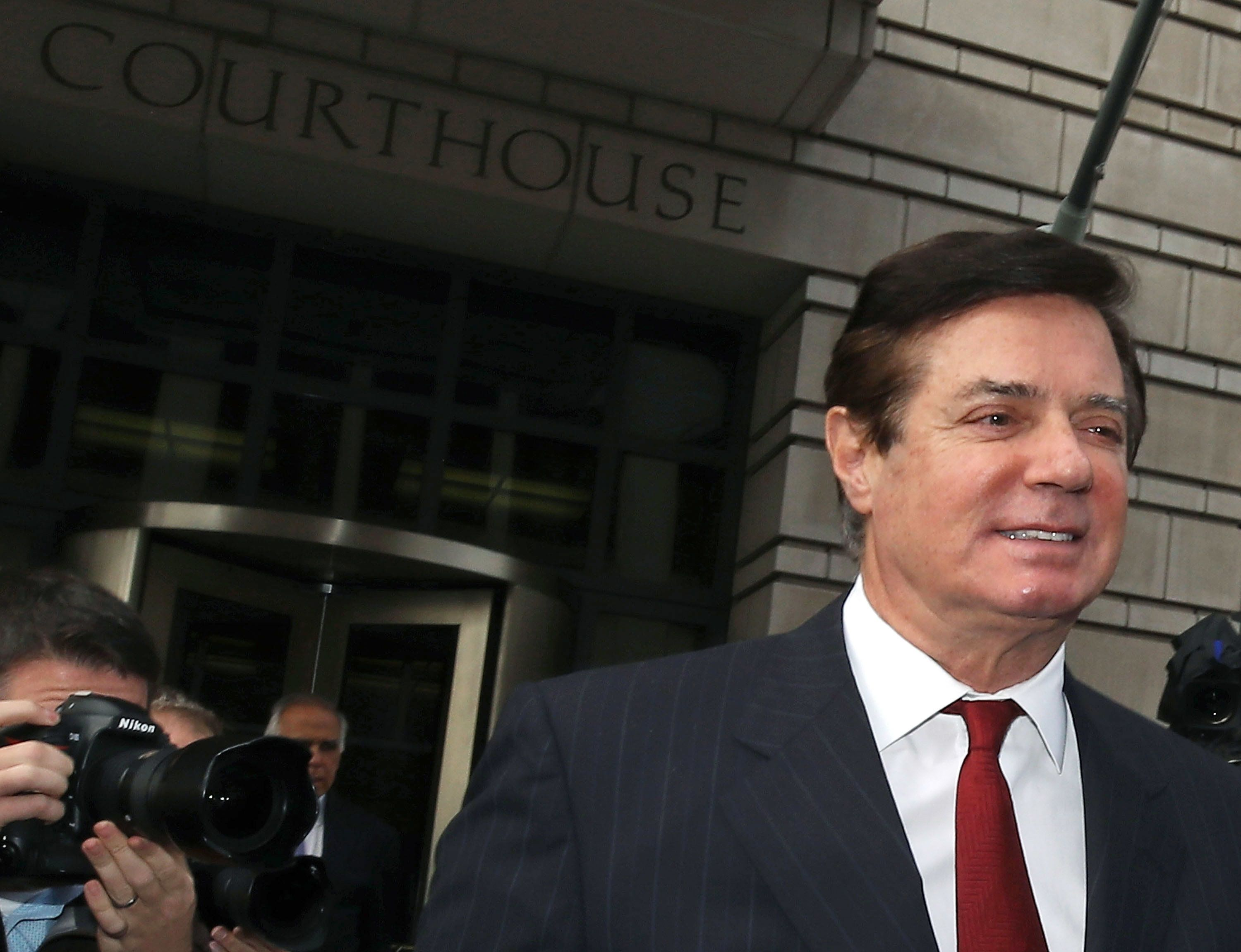WASHINGTON, DC - NOVEMBER 06:  Former Trump campaign manager Paul Manafort leaves the Prettyman Federal Courthouse after a bail hearing November 6, 2017 in Washington, DC. Manafort and his former business partner Richard Gates both pleaded not guilty Monday to a 12-charge indictment that included money laundering and conspiracy.  (Photo by Mark Wilson/Getty Images)