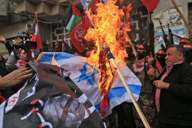 Ισραηλινοί στρατιώτες συγκρούστηκαν με Παλαιστίνιους διαδηλωτές στη Δυτική Όχθη και τη
