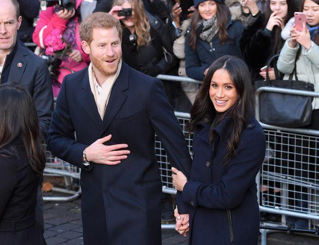 La pareja saluda al público en Nottingham, Inglaterra, el 1 de diciembre de