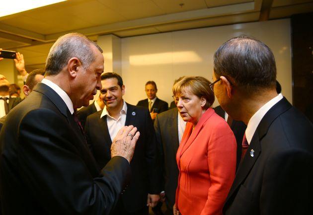 Το μήνυμα της ΕΕ στον Ερντογάν: Όλες οι υποψήφιες χώρες πρέπει να σέβονται τις διεθνείς