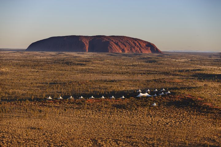 <p><strong>Aerial View - Longitude 131 Luxury Tented Pavilions Facing Ayers Rock</strong></p>
