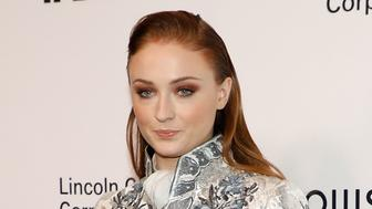 NEW YORK, NY - NOVEMBER 30:  Sophie Turner attends 'An Evening Honoring Louis Vuitton And Nicolas Ghesquiere' at Alice Tully Hall at Lincoln Center on November 30, 2017 in New York City.  (Photo by Taylor Hill/FilmMagic)