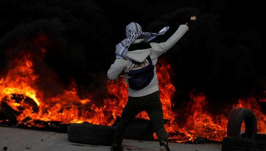 Μέρες οργής στη Μέση Ανατολή. Στους δρόμους οι Παλαιστίνιοι κατά ΗΠΑ και