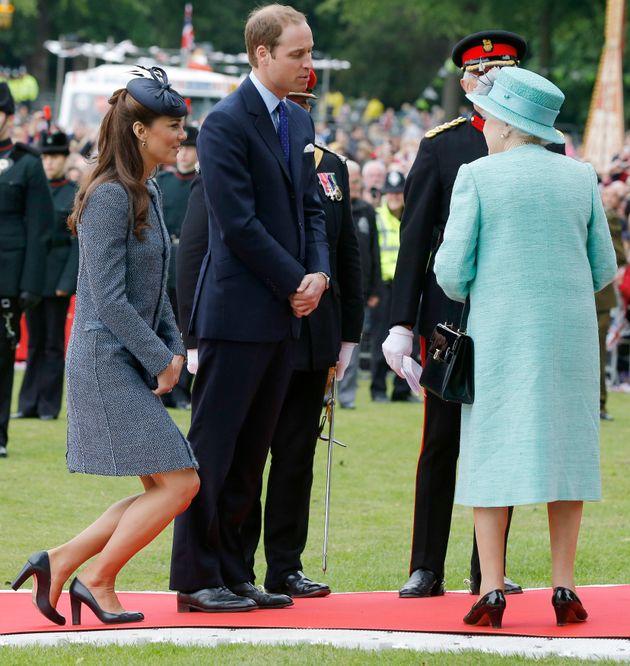 Εκπαιδεύοντας τη Meghan: Οι κανόνες που πρέπει να μάθει η Markle για να μπει στη βασιλική
