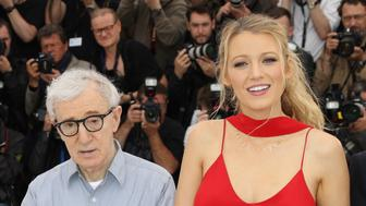 (From L) US actress Kristen Stewart, US director Woody Allen and  US actress Blake Lively pose on May 11, 2016 during a photocall for the film 'Cafe Society' ahead of the opening of the 69th Cannes Film Festival, southern France. / AFP / Valery HACHE        (Photo credit should read VALERY HACHE/AFP/Getty Images)