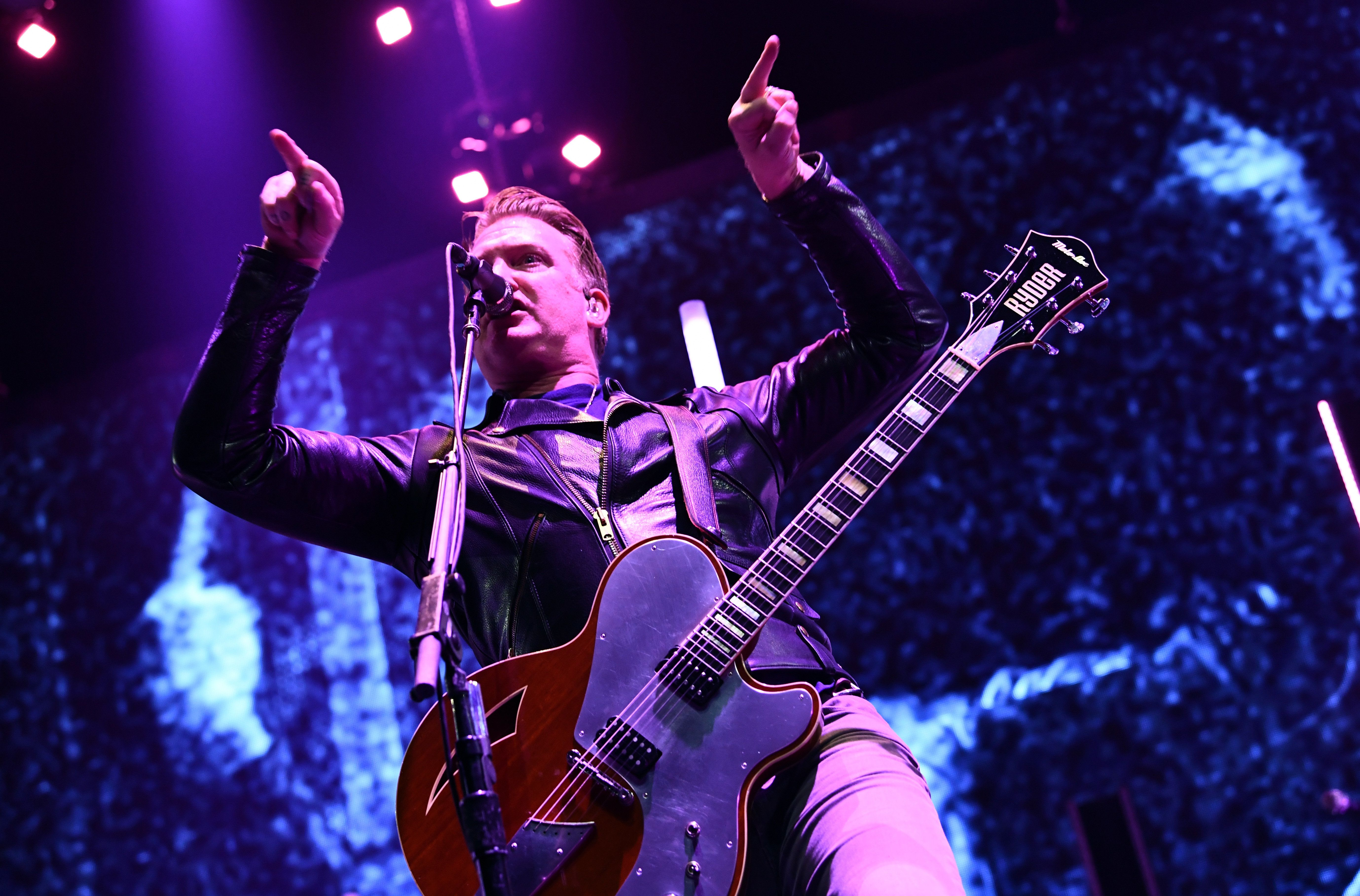 INGLEWOOD, CA - DECEMBER 09:  Josh Homme of Queens of the Stone Age performs onstage during KROQ Almost Acoustic Christmas 2017 at The Forum on December 9, 2017 in Inglewood, California.  (Photo by Emma McIntyre/Getty Images for KROQ)