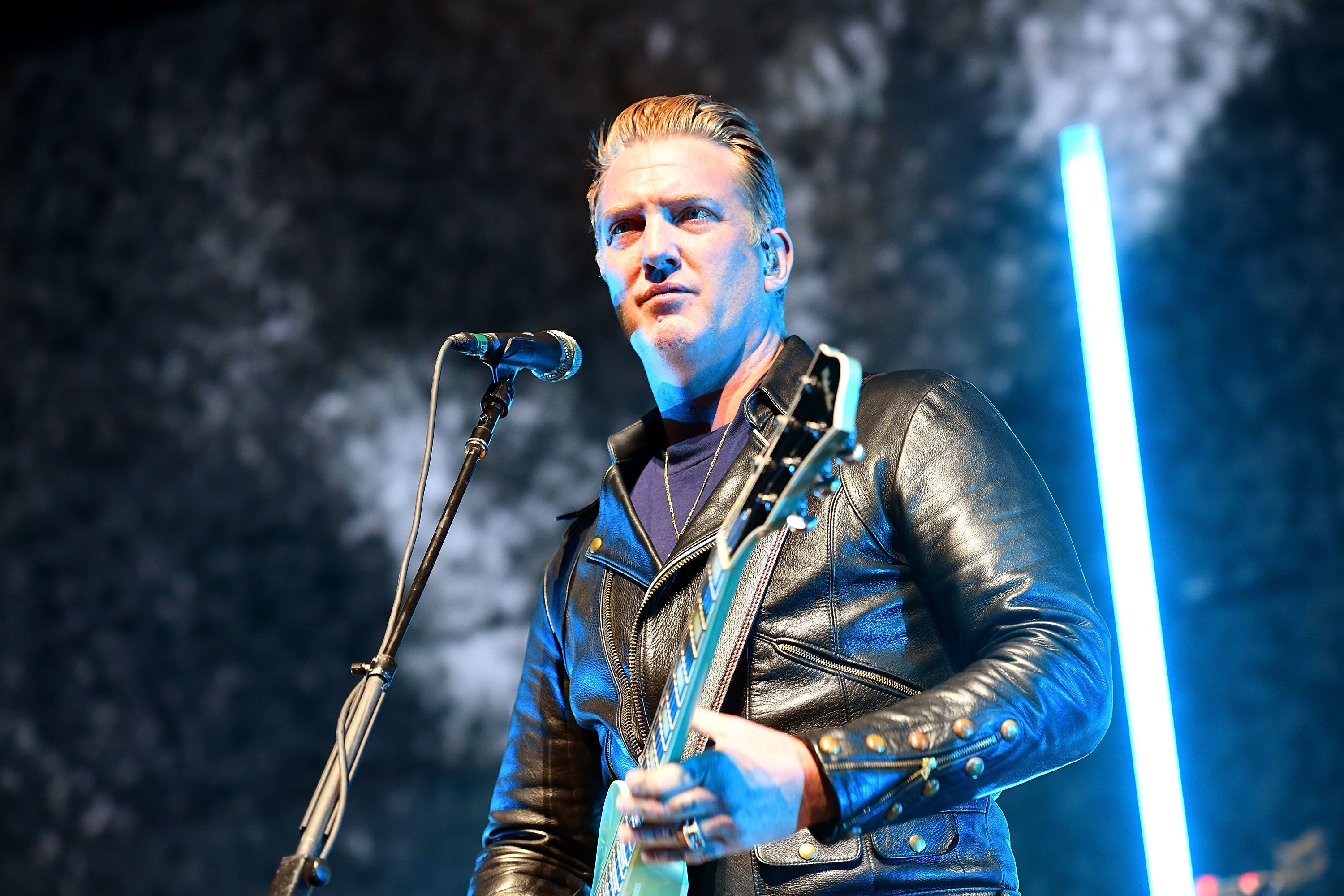 Queens Of The Stone Age Frontman Josh Homme Apologises After Kicking Female Photographer In The Head At