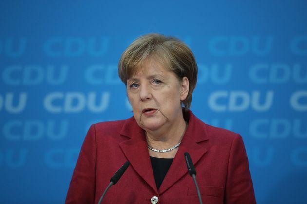 Γρήγορες διαπραγματεύσεις με το SPD θέλει η Μέρκελ. «Όχι σε κυβέρνηση