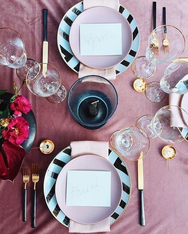 We've been seeing velvet pop up everywhere from fashion to home decor, and now weddings. Obviously, certain fabrics lend them
