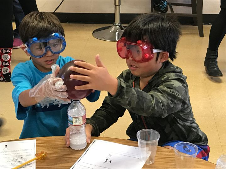 Fifth graders in Torrance Unified practice the Next Generation Science Standards.