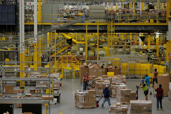 Amazon Temp Workers Who Deliver The Holidays Are Getting