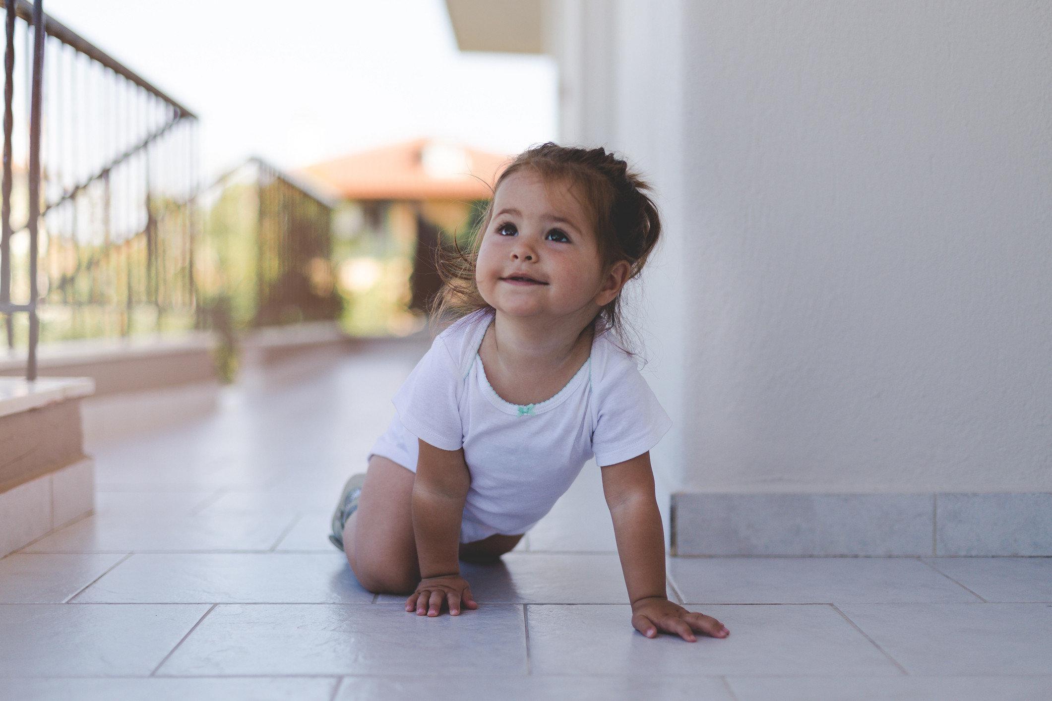 So merkt man einem 18 Monate alten Kind an, ob es reiche oder arme Eltern hat