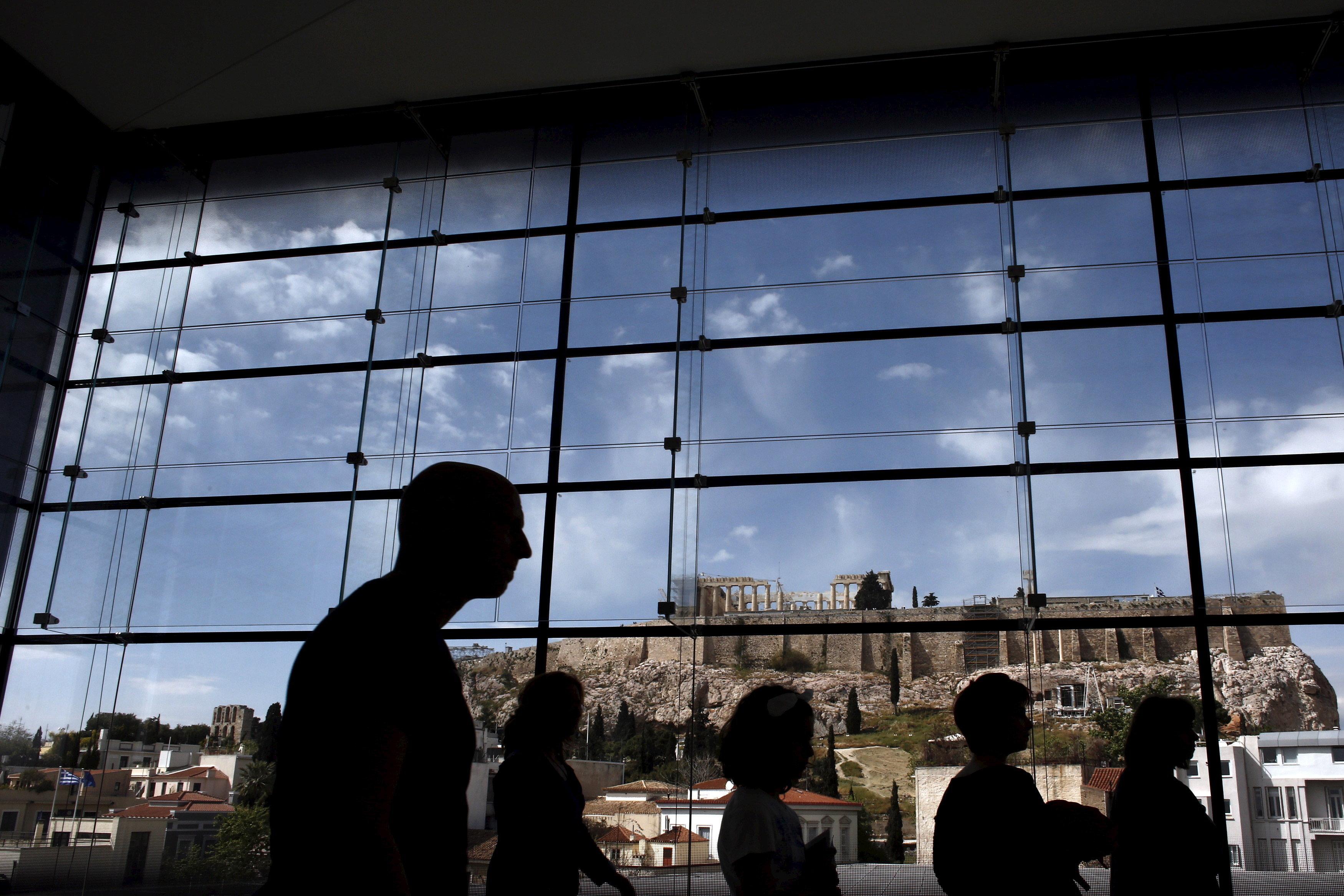 Έρευνα: Οι Αθηναίοι αγαπούν τον Πολιτισμό. Διαβάζουν, βλέπουν θέατρο και
