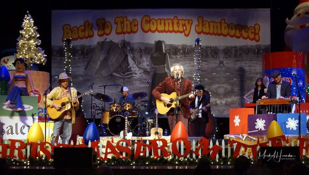 Robert Earl Keen Merry Christmas From The Family.Introducing Robert Earl Keen S Perfect Holiday Party