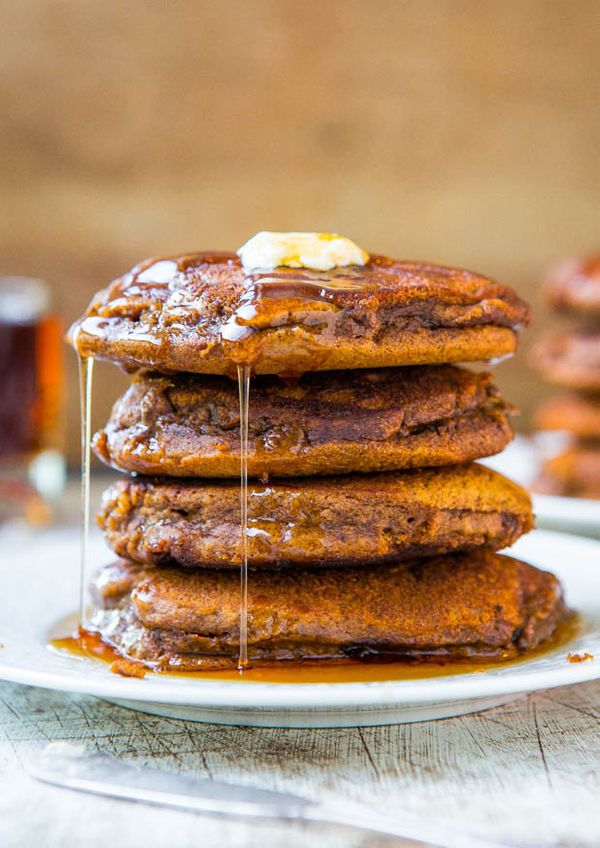 "<strong>Get the <a href=""http://www.averiecooks.com/2013/12/soft-and-fluffy-gingerbread-pancakes-with-ginger-molasses-maple-s"