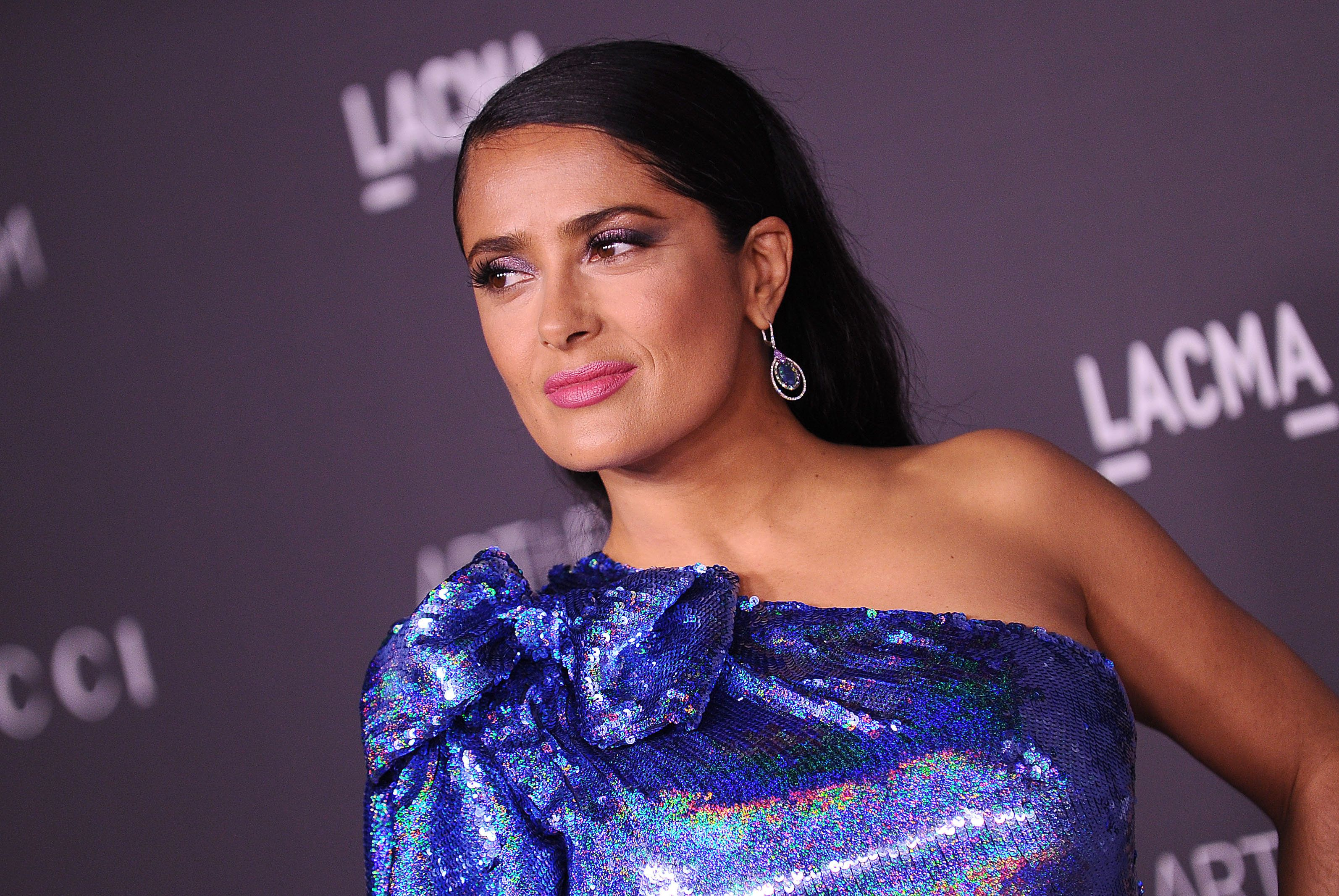 LOS ANGELES, CA - NOVEMBER 04:  Actress Salma Hayek attends the 2017 LACMA Art + Film gala at LACMA on November 4, 2017 in Los Angeles, California.  (Photo by Jason LaVeris/FilmMagic)