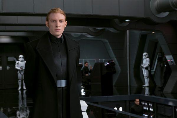 General Hux (Domhnall Gleeson) in <em>Star Wars: The Last Jedi </em>