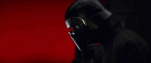 Kylo Ren (Adam Driver) in <em>Star Wars: The Last Jedi</em>