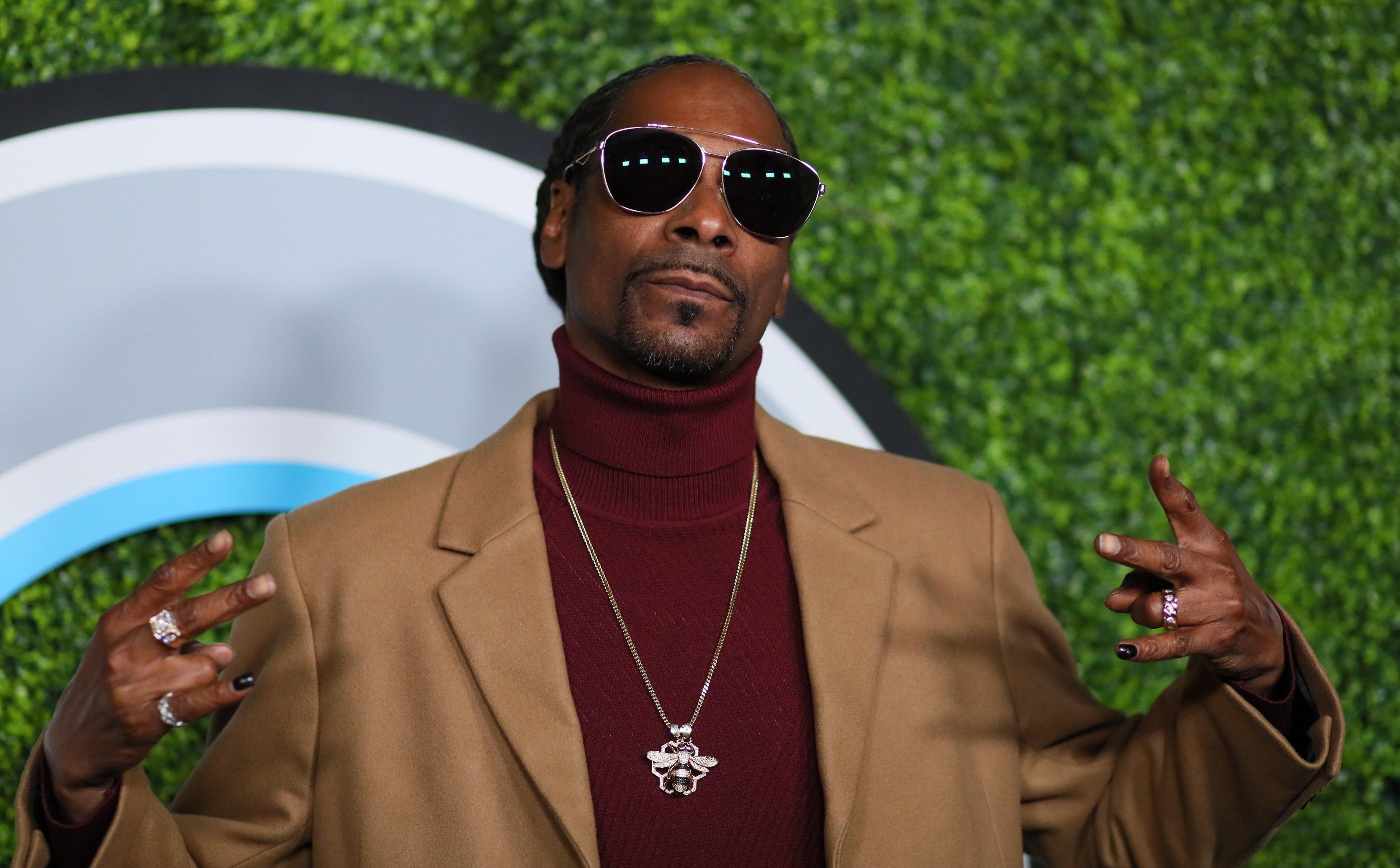 Snoop Dogg does turtlenecks right.