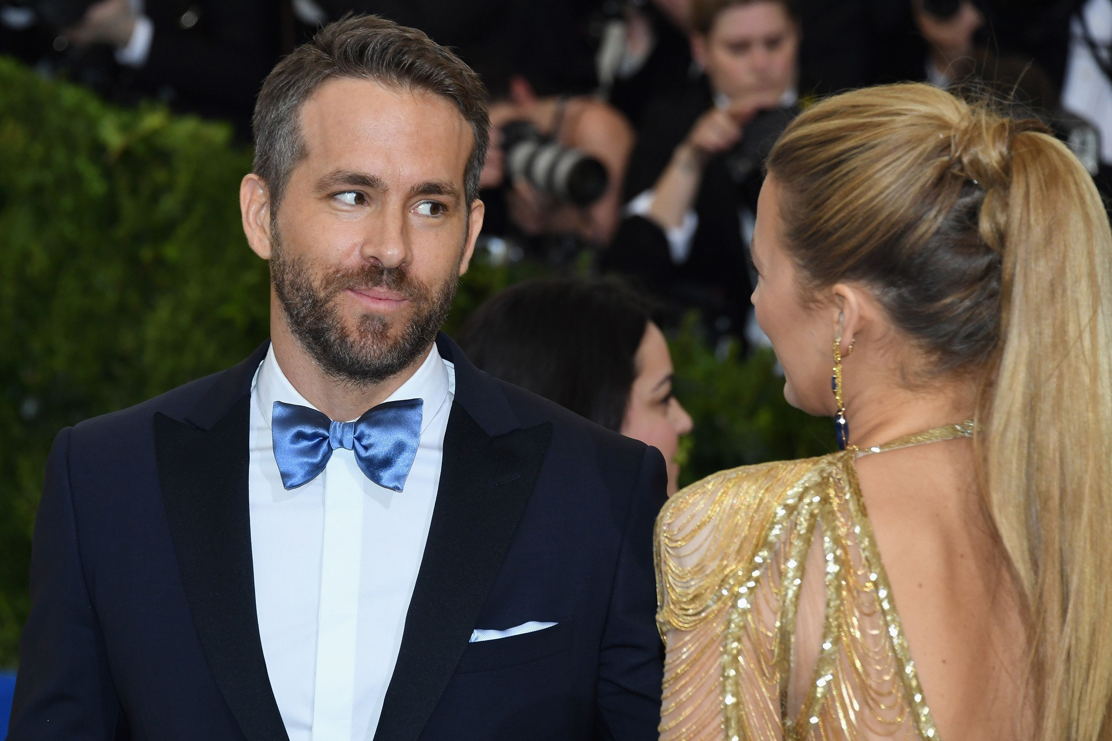 NEW YORK, NY - MAY 01:  Ryan Reynolds (L) and Blake Lively attend the 'Rei Kawakubo/Comme des Garcons: Art Of The In-Between' Costume Institute Gala at Metropolitan Museum of Art on May 1, 2017 in New York City.  (Photo by Dia Dipasupil/Getty Images For Entertainment Weekly)