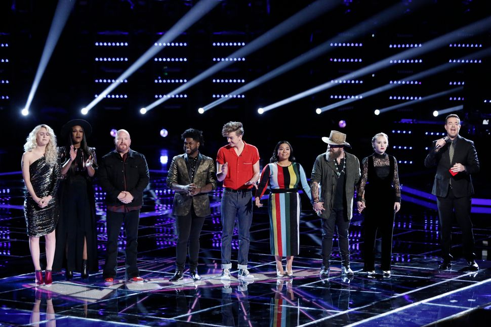 "Each coach has the choice to swivel around and try to convince the singer onstage to join their ""team"" of 12"