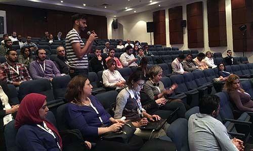 <em>Audience debates ethics of photo publishing (courtesy Tom Law)</em>