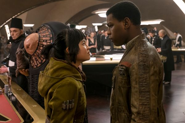L to R: Rose (Kelly Marie Tran) and Finn (John Boyega)