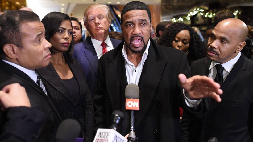 Donald Trump, Darrell Scott(C), along with <em>Omarosa Manigault</em> after meeting with African American pastors White House