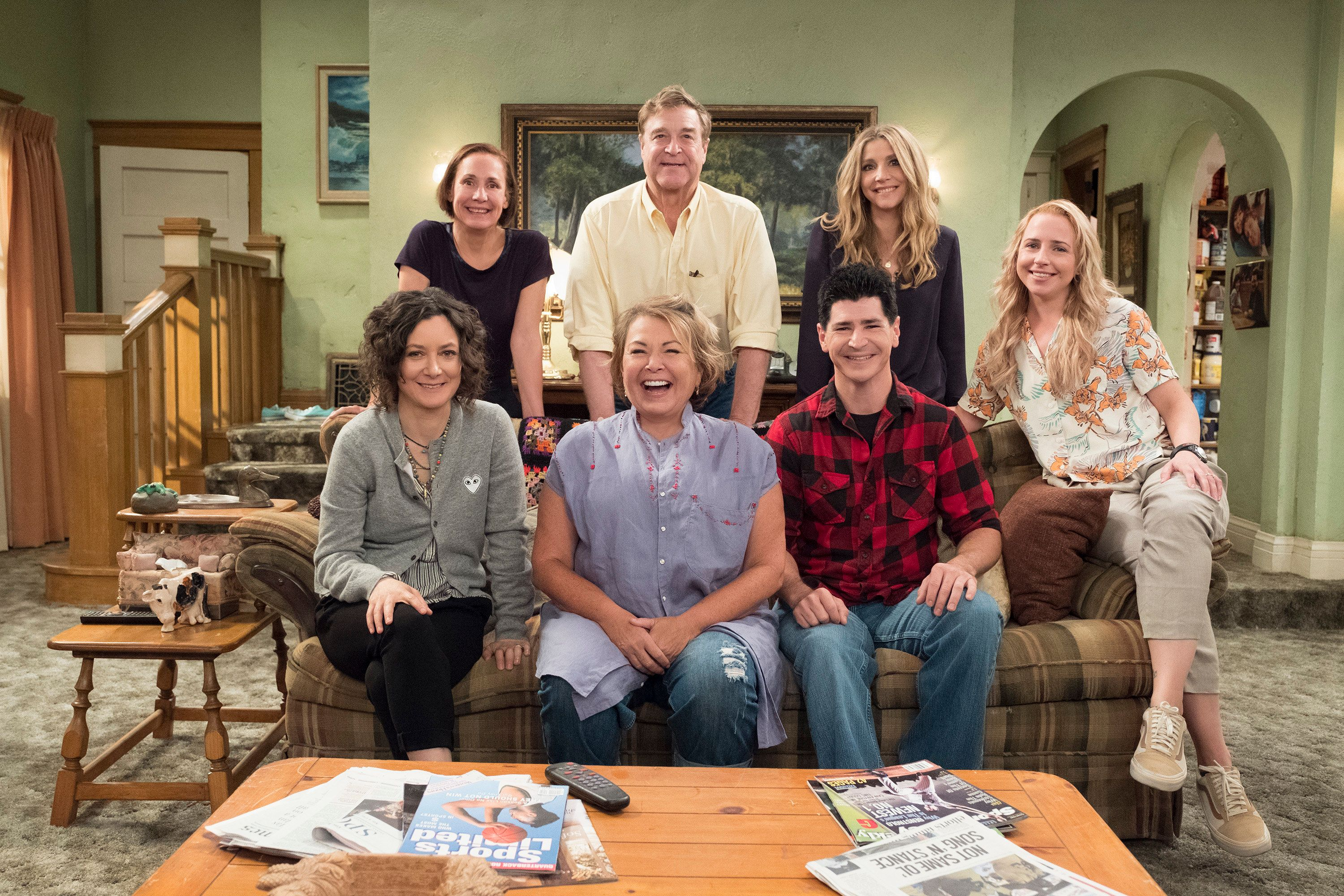 (Clockwise from upper left) Laurie Metcalf, John Goodman, Sarah Chalke, Lecy Goranson, Michael Fishman, Roseanne Barr and Sar