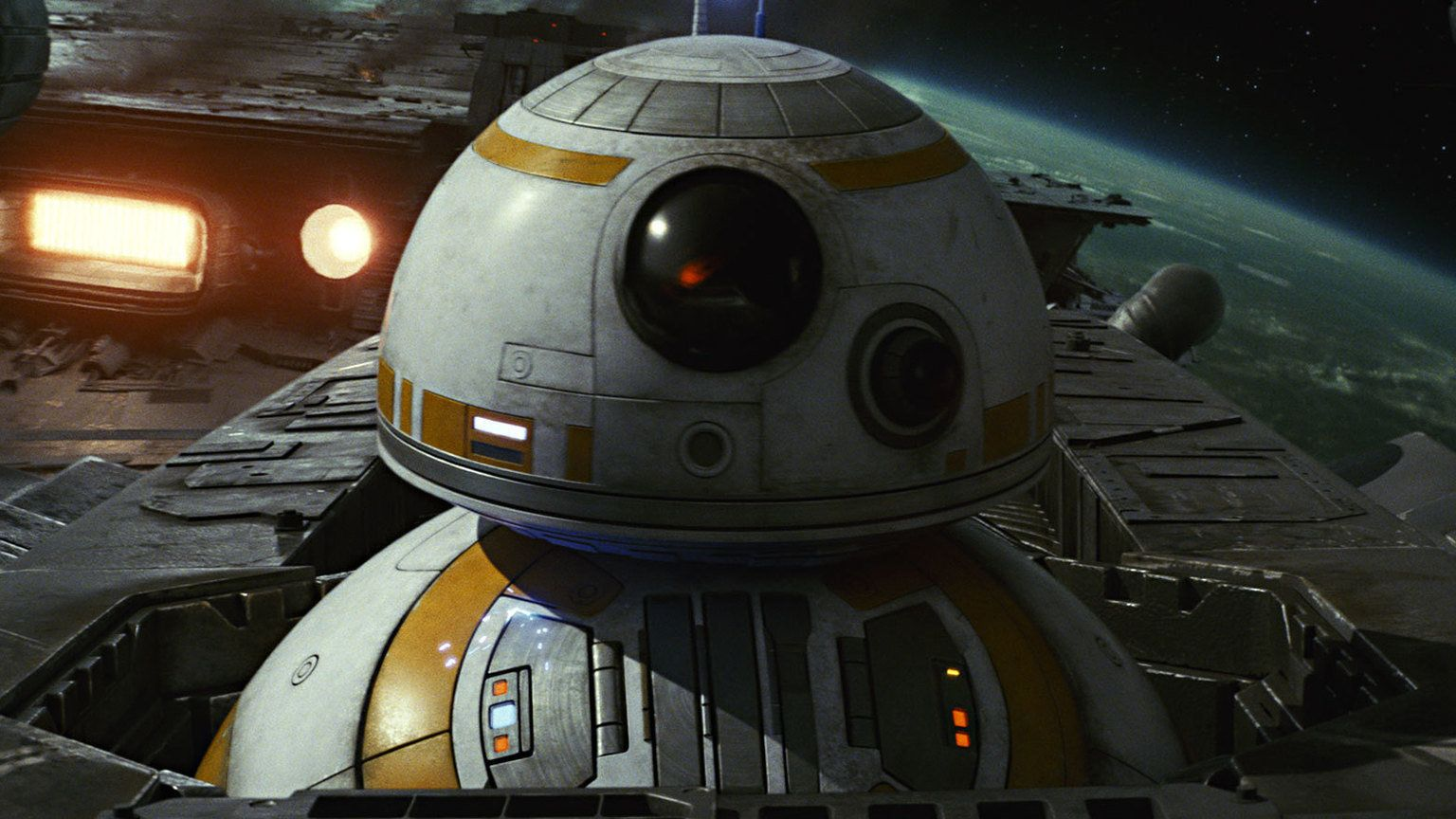 'The Last Jedi' scores huge $45 million in domestic debut