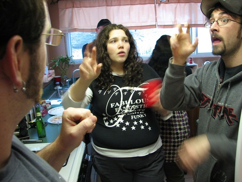 "People arguing (<a rel=""nofollow"" href=""https://commons.wikimedia.org/wiki/File:ASL_family.jpg"" target=""_blank"">Wikmedia Com"