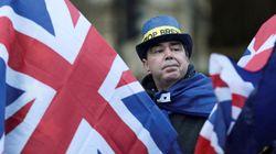 Πάνω από τους μισούς Βρετανούς θα ήθελαν να παραμείνει η χώρα στην