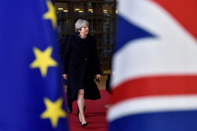 Δεσμεύσεις Μέι. Το Brexit δεν θα