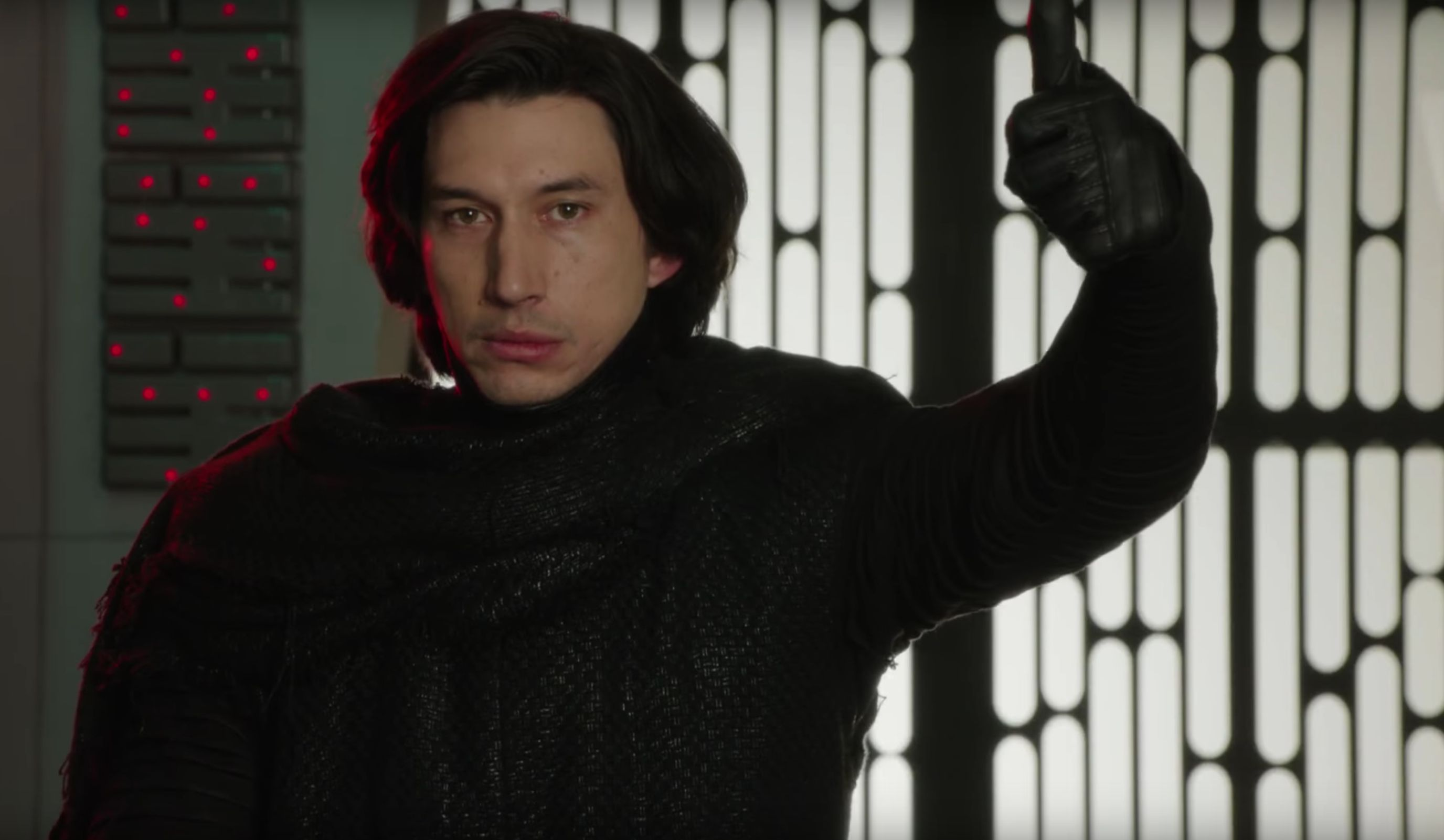 Here's Why Kylo Ren Was Shirtless In 'Star Wars: The Last