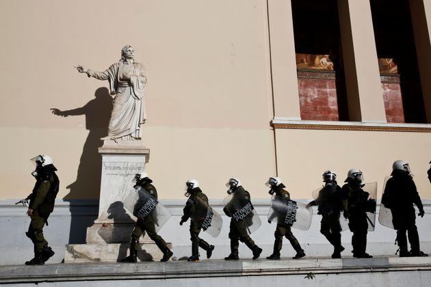 Η Λίστα της ανομίας και της βίας στα Πανεπιστήμια: 10 περιστατικά που πρέπει να μας