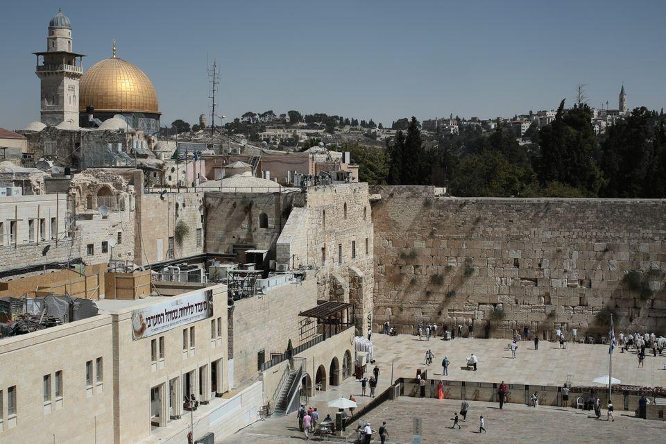 Η Ιερουσαλήμ, το αδιέξοδο της λύσης των δυο κρατών, ο νέος αντισημιτισμός: Μια συζήτηση με τον Ραβίνο...