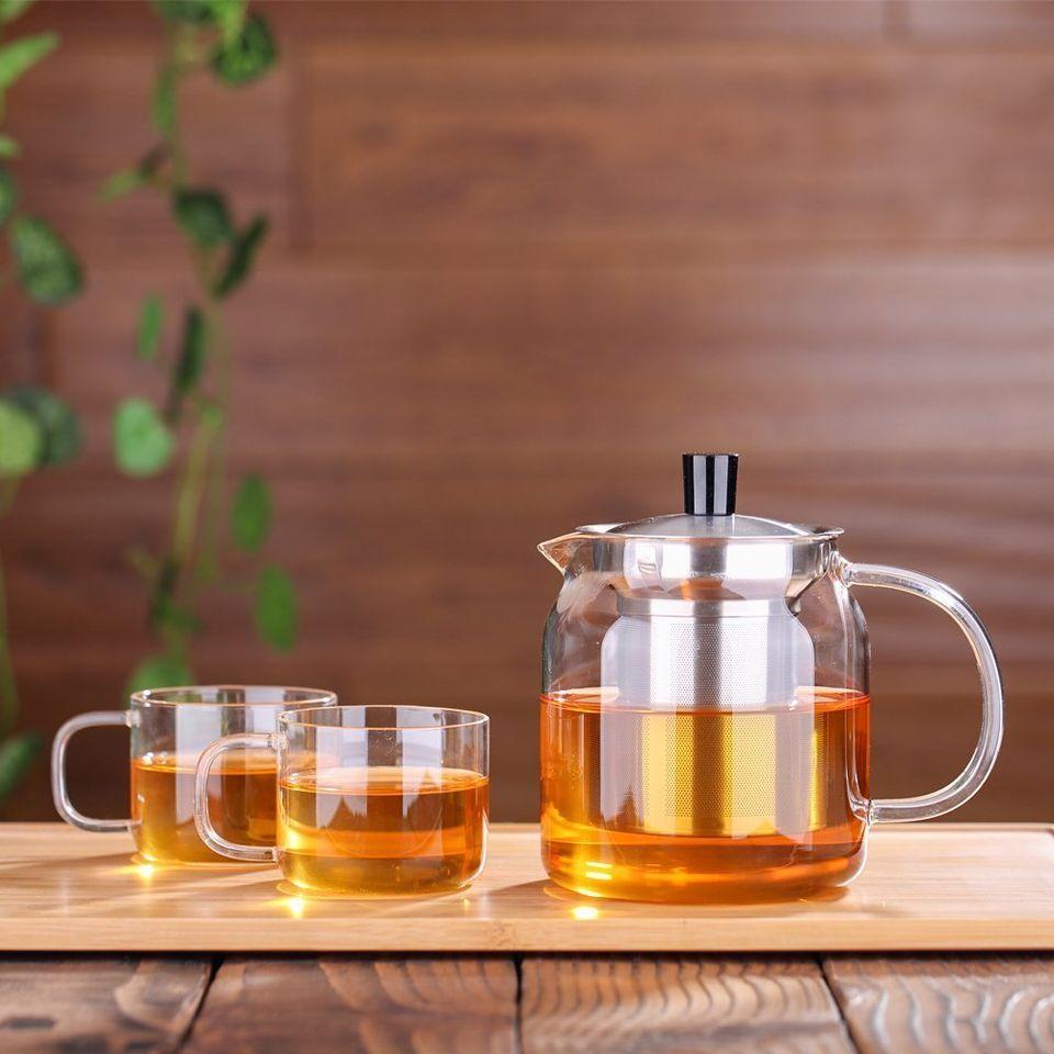 "<a href=""https://www.amazon.com/dp/B01DLIPISQ/ref=strm_sub_79_nad_1_5?tag=thehuffingtop-20"" target=""_blank"">Ecooe Glass Teapo"
