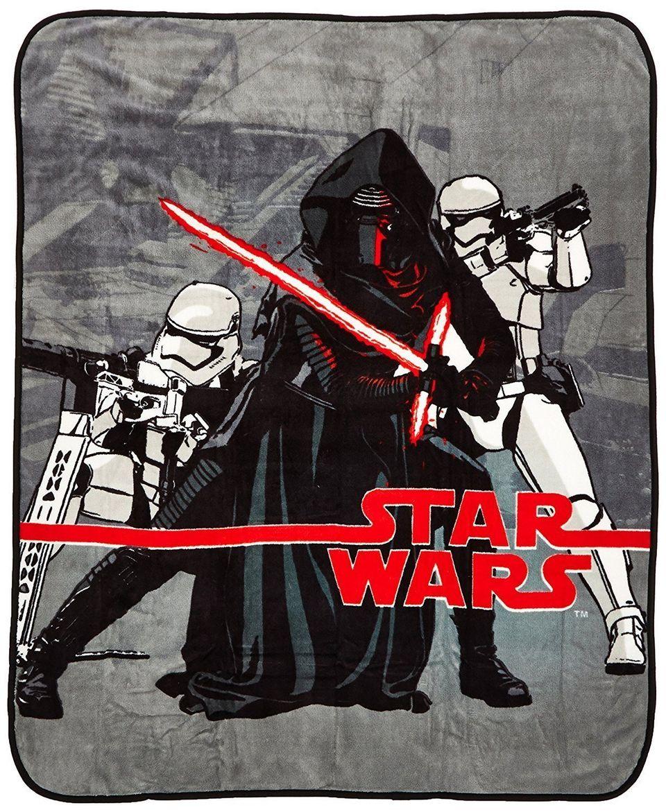 "<a href=""https://www.amazon.com/dp/B014YXUOK4/ref=strm_sub_201_nad_6_5?tag=thehuffingtop-20&th=1"" target=""_blank"">Star Wars T"