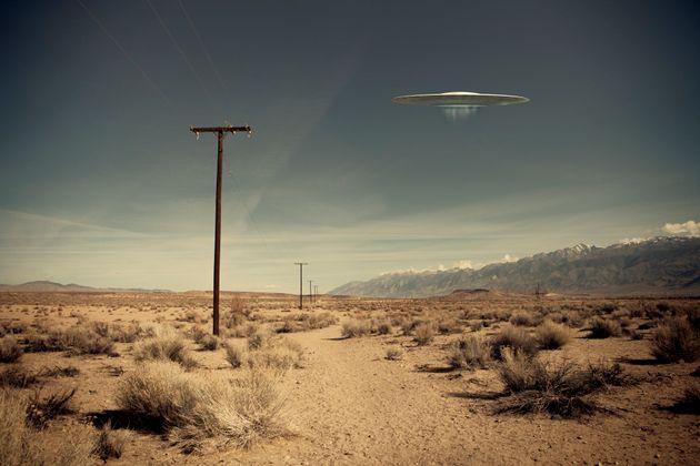 «Ίσως να μην είμαστε μόνοι» λέει ο πρώην «κυνηγός UFO» του