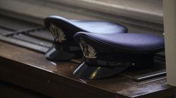 Καμία πρόβλεψη για τακτική αξιολόγηση των αστυνομικών από ψυχολόγους και ψυχιάτρους. Τι δείχνουν τα πορίσματα της επιτροπής ό...