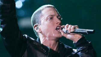 "Eminem performs ""I Need A Doctor"" at the 53rd annual Grammy Awards in Los Angeles, California, February 13, 2011. REUTERS/Lucy Nicholson (UNITED STATES - Tags: ENTERTAINMENT) (GRAMMYS-SHOW)"